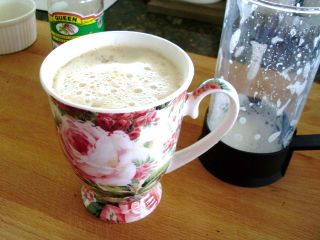 Mix in the froth and pour it into your tea cup
