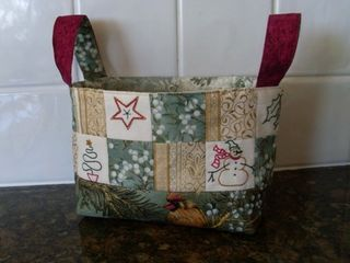 Xmas basket with stitcheries