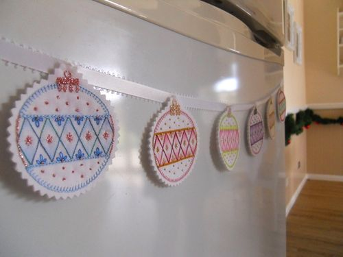 Bauble bunting (4)
