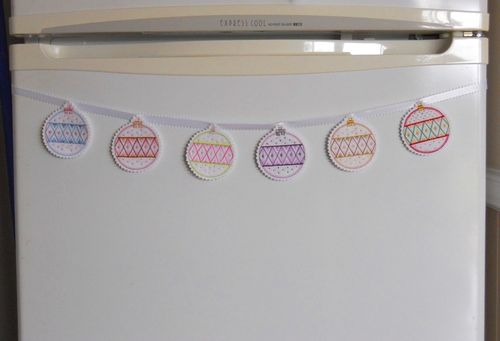 Bauble bunting (7)