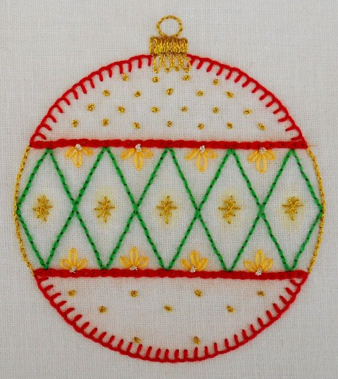 Traditional bauble4